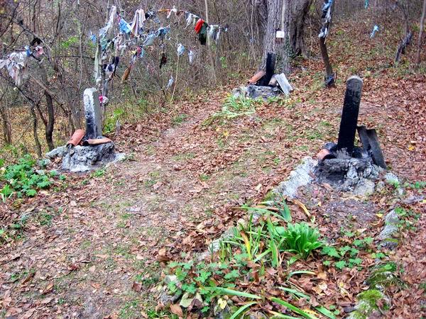 Загадъчно гробище на шуменското плато